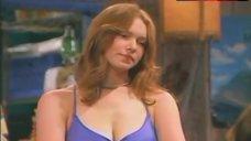 Laura Prepon Decollete – That '70S Show