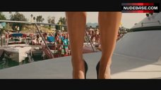 1. Kelly Brook Dancing in Red Bikini – Piranha 3D