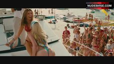 9. Kelly Brook Dancing in Red Bikini – Piranha 3D