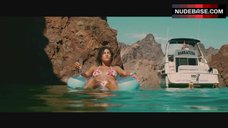 1. Kelly Brook Swimming Full Nude – Piranha 3D