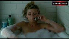 Kirsten Dunst in Bathtub – Elizabethtown