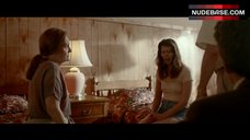 Mary Elizabeth Winstead No Bra – Faults