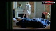 10. Valeria Bruni Tedeschi Flashes Nude Butt – 5X2
