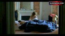 2. Valeria Bruni Tedeschi Flashes Nude Butt – 5X2