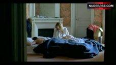 6. Valeria Bruni Tedeschi Flashes Nude Butt – 5X2