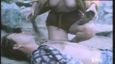 Joy Boushel Shows Tits – Humongous