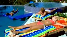 Jessica Simpson Sunbathing in Bikini – Newlyweds: Nick & Jessica