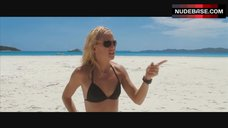 Kate Hudson in Bikini on Beach – Fool'S Gold