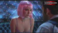 Natalie Portman Striptease – Closer