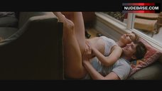 Natalie Portman Sex Scene – No Strings Attached