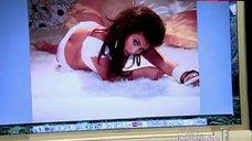 Kim Kardashian West Ass Scene – Keeping Up With The Kardashians