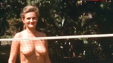 Carol Hawkins  nackt