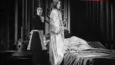Greta Garbo Hot Scene – Mata Hari