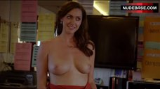 5. Sarah Power Bare Her Perfect Boobs – Californication