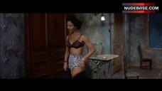 Dorothy Dandridge Sexy in Underwear – Carmen Jones
