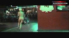Annie Belle Public Nudity – La Fine Dell'Innocenza