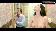 Edwige Fenech Nude in Shower – La Signora Gioca Bene A Scopa?