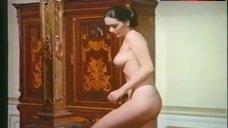 Edwige Fenech Naked Breasts and Ass – La Vedova Inconsolabile Ringrazia Quanti La Consolarono