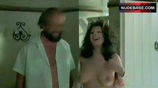 Edwige Fenech Breasts Scene – La Vergine, Il Toro E Il Capricorno