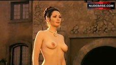 Edwige Fenech Public Nudity – Quando Le Donne Si Chiamavano 'Madonne'