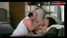 5. Edwige Fenech Exposed Breasts – Zucchero, Miele E Peperoncino