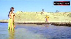 Edwige Fenech Topless Washing in Lake – Il Ladrone