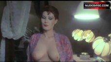 Edwige Fenech Shows Tits – La Poliziotta Della Squadra Del Buoncostume