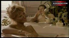 Fiona Gein Shows One Boob – Tant Qu'Il Y Aura Des Femmes