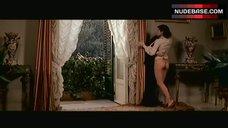 4. Dayle Haddon Sex near Window – La Cugina