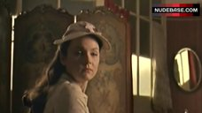 5. Keeley Hawes Shows Boobs in Mirror – Tipping The Velvet