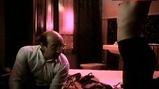 Beate Jensen Topless Scene – Der Kuss Des Tigers
