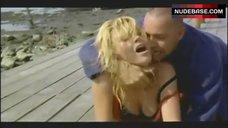 5. Valeria Marini Ass Scene – Bambola
