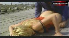8. Valeria Marini Ass Scene – Bambola