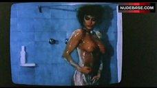 Carmen Russo Nude in Shower – Lady Football
