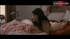 Gemma Arterton Shows Butt – Tamara Drewe