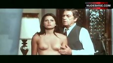 Simonetta Stefanelli Bare Breasts and Ass – Non Commettere Atti Impuri