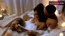 Kenya Moore Hot in Bathtub – Trois