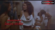 6. Nancy Allen Shows Nude Boobs and Pussy – Carrie