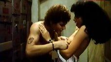 Maribel Verdu Shows Tits – La Estanquera De Vallecas