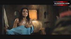 Debora Nascimento in Wet Clothes – The Incredible Hulk