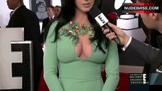 Katy Perry Cleavage – The Grammy Awards
