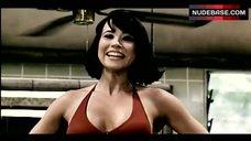 2. Linda Cardellini Hot in Bikini – Scooby-Doo