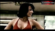 Linda Cardellini Hot in Bikini – Scooby-Doo