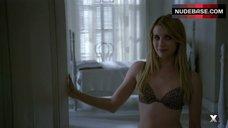 Emma Roberts in Leopard Lingerie – American Horror Story