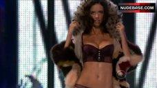 Adriana Lima Lingerie Scene – Victoria'S Secret Fashion Show 2008