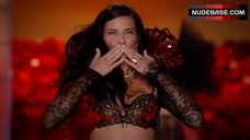 Adriana Lima in Lingerie on Fashion Show – The Victoria'S Secret Fashion Show 2011