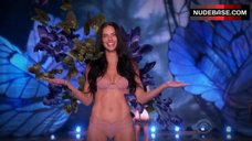 Adriana Lima in Pink Bra and Panties – The Victoria'S Secret Fashion Show 2015
