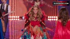 10. Adriana Lima Shows Shine Lingerie – The Victoria'S Secret Fashion Show 2014