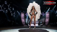 Miranda Kerr in Lingerie with Angel Wings – The Victoria'S Secret Fashion Show 2012