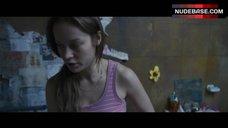 1. Brie Larson Erect Pokies – Room